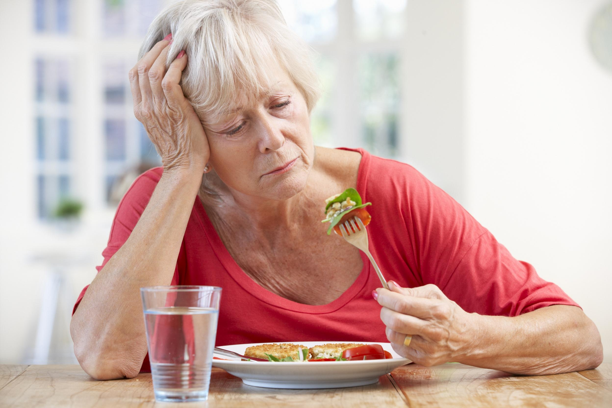 Боль в районе печени и желчного пузыря при гепатите и снижение аппетита