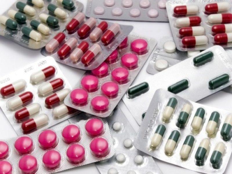 Следует назначить назначить комбинированную медикаментозную терапию