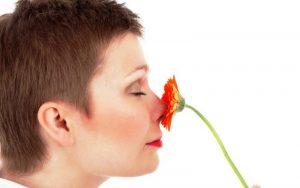 Неприятный запах в области влагалища, вульвы и промежности при климаксе. Причины, как избавиться, методы лечения и профилактики