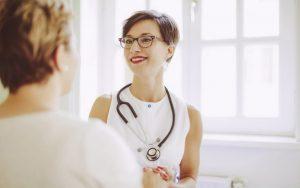 Воздух и газы во влагалище: причины, симптомы, последствия, профилактика, как избавиться, нужно ли к врачу и что делать
