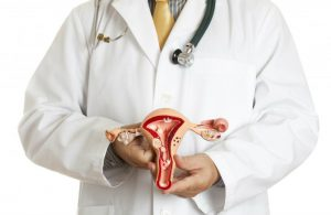 Увеличенная матка: признаки, причины, симптомы, диагностика, методы лечения, осложнения и риски
