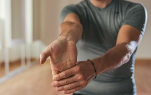Разминка кисти руки