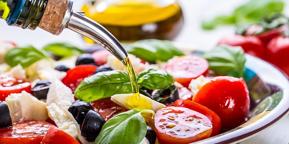Салат с маслом для питания при кисте печени