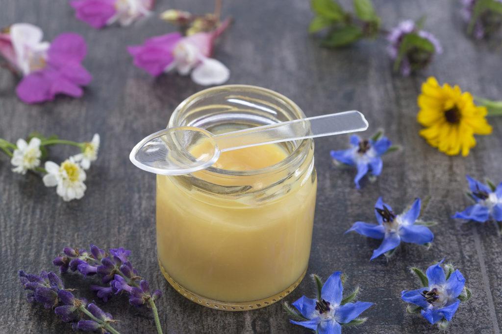 Средство из меда и маточного молочка