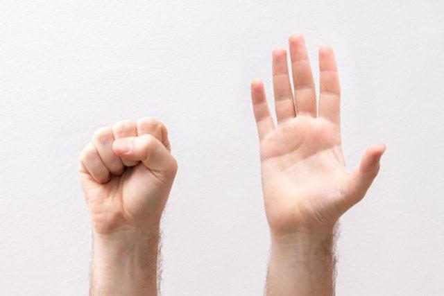 сжимание и разжимание руки