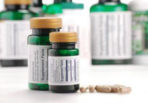 Клопогон кистевидный (чёрных кохош) при климаксе: показания, польза, вред, дозировка, побочные эффекты