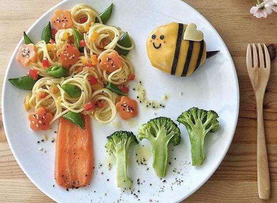 красиво оформленный обед для ребёнка