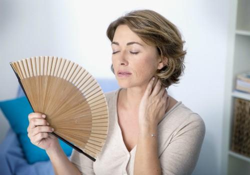 Климакс: продолжителность, время начала, приливы жара, средства лечения, гормональная терапия во время менопаузы