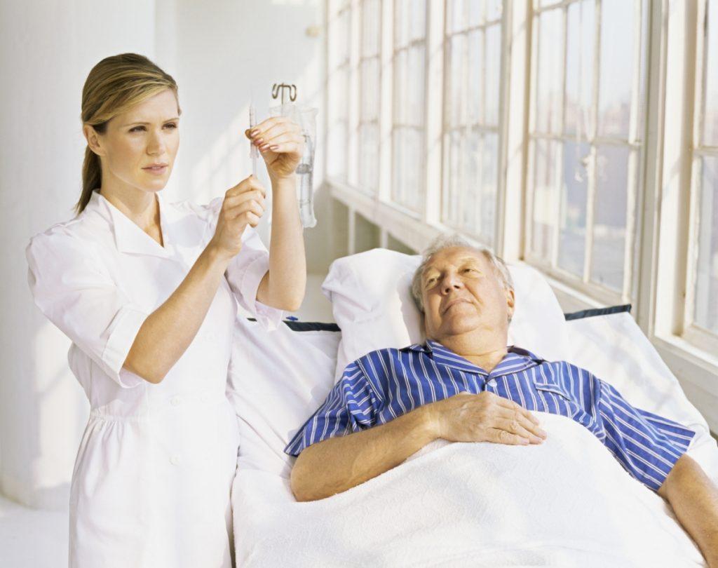 Первостепенная задача это пресечь приступ боли путём введения внутримышечно и внутривенно анальгетиков