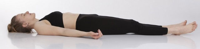 упражнение с напряжением ягодичных мышц