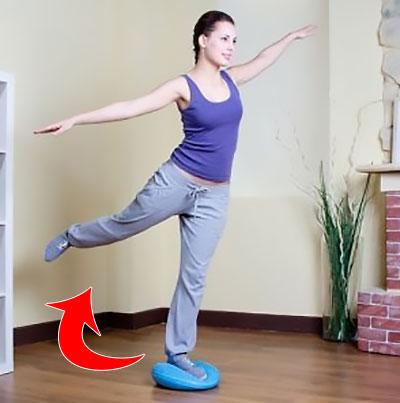 упражнение с отведением ноги назад