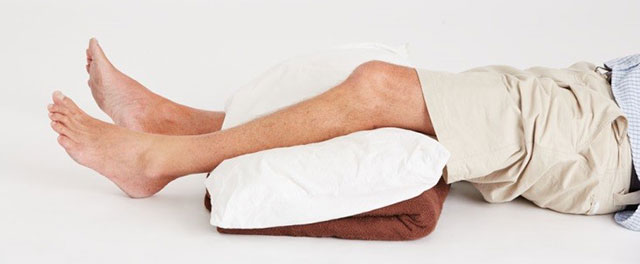 положение ноги для уменьшения отека